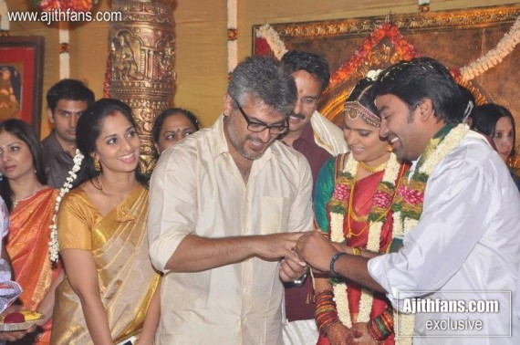 Exclusive Gallery Ajiths Family At Actor Mirchi Shivas Wedding