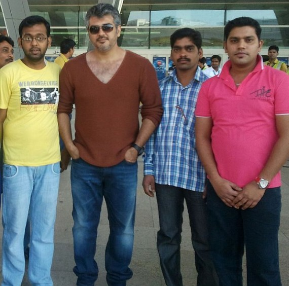 Unseen Pic of Ajith with his Fans in Dubai Airport