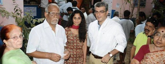 Exclusive : Ajith and Shalini at Polling Booth Pictures