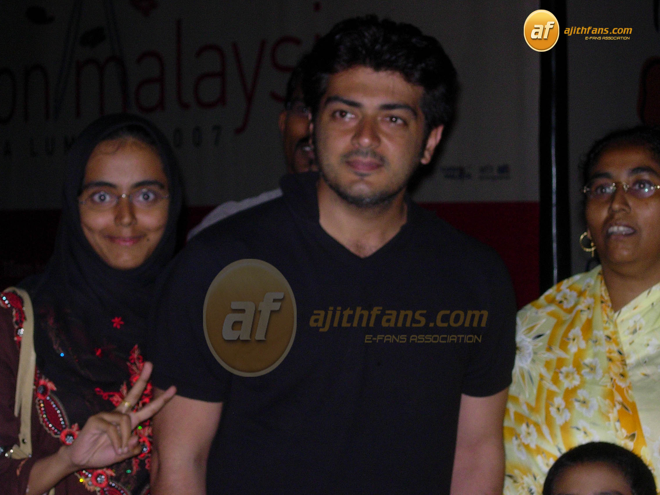 Related Pictures ajith kumar shalini anushka family photos ajith ...